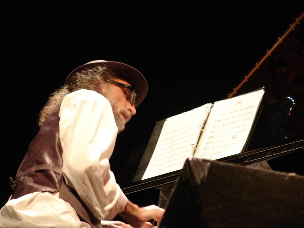 Andreas Symvoulopoulos Trio
